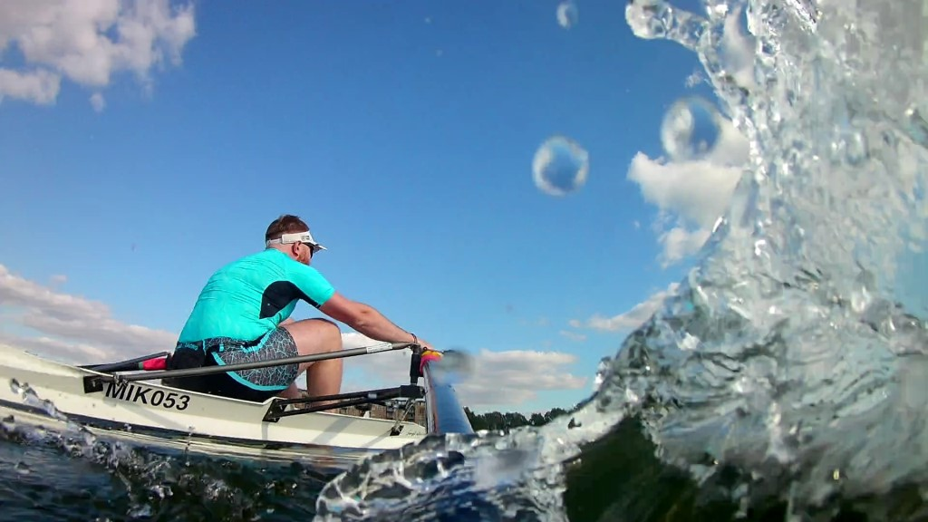 Amazing shot of one of our scullers in action on Caldecotte Lake